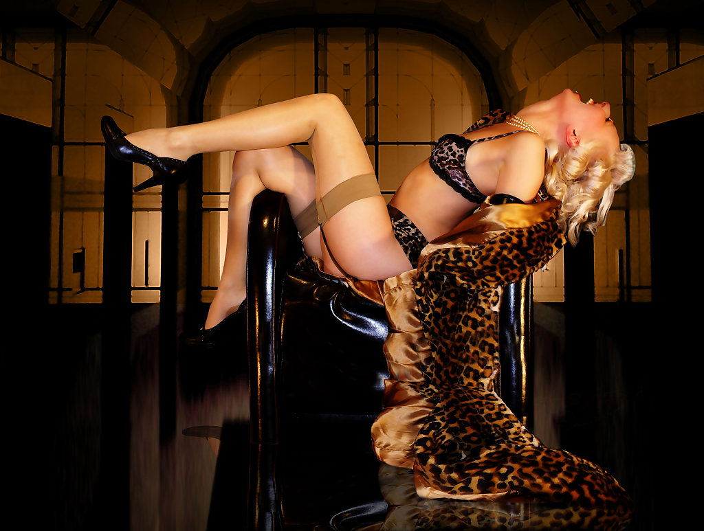 pin up 30 ties style