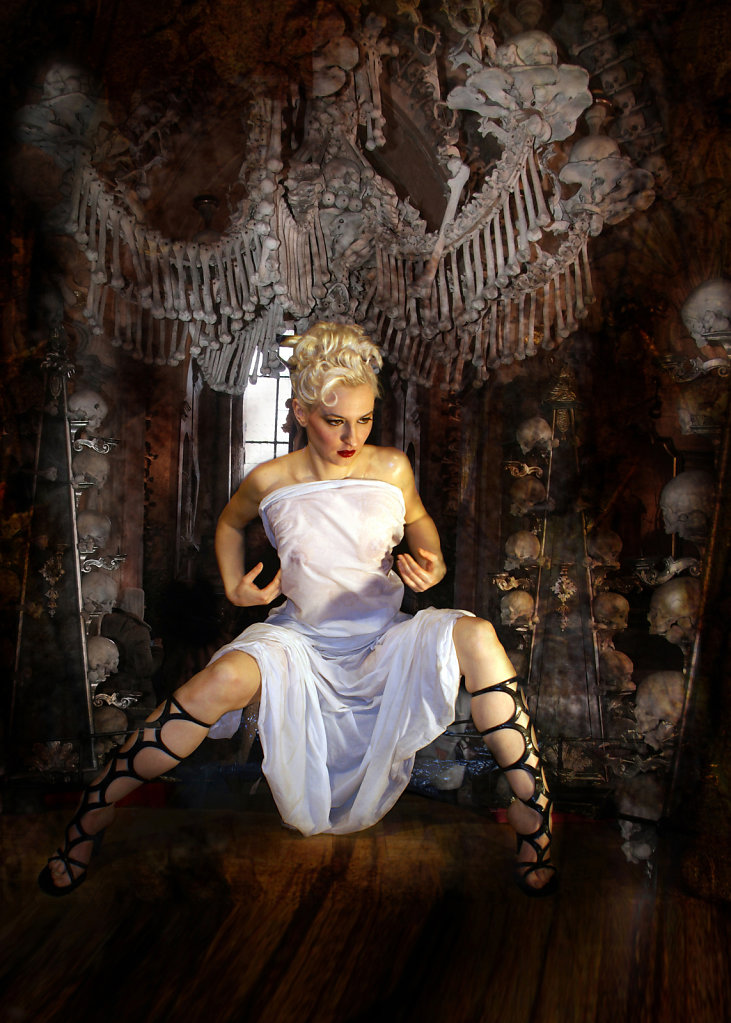 Gothic pin up
